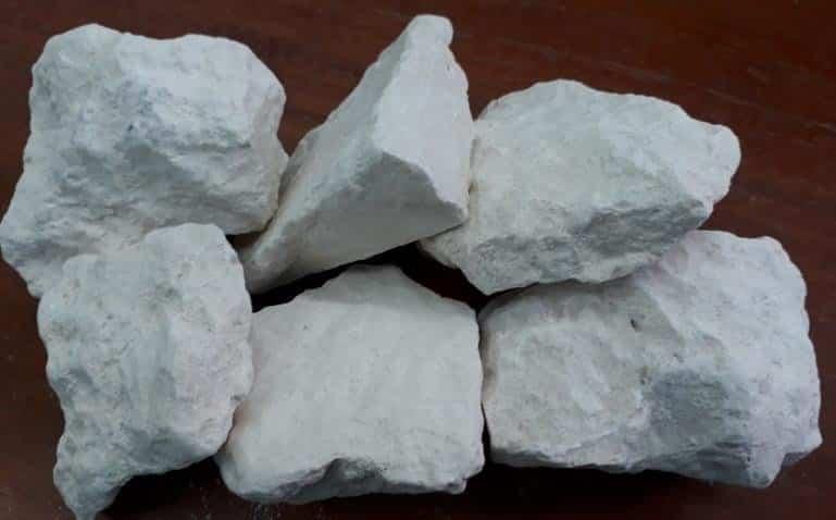calcium-mineral-rocks-3
